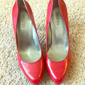 Red Patent Leather Closed Toe Pump Sz 9